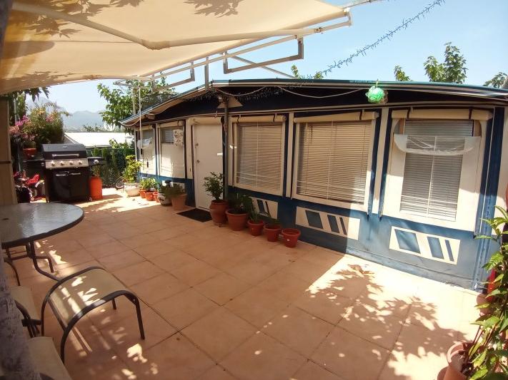 Static touring caravans for sale on Camping Villamar in Benidorm
